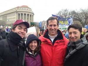 Rick Santorum at the 2013 March for Life posing with Fordham University students.