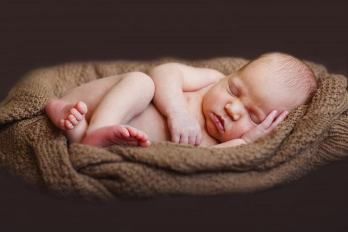 baby-brown-blanket