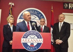 ARGOP_Mike_Holcomb_t300_c300x214