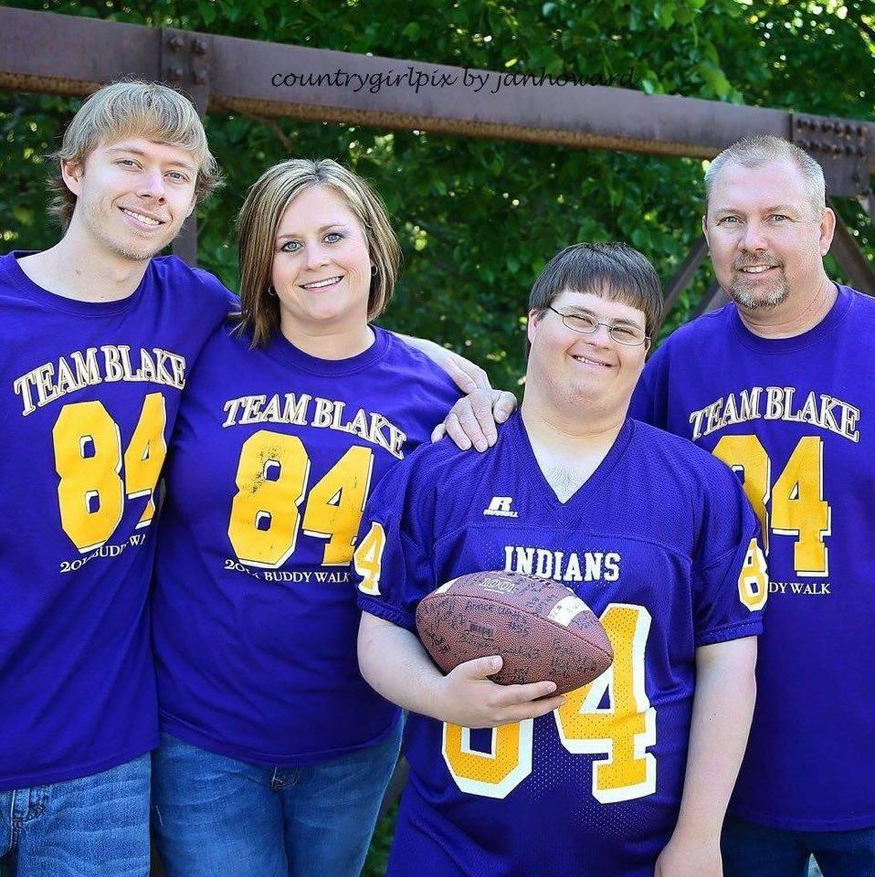 Blake and family 6941_1432785217_n