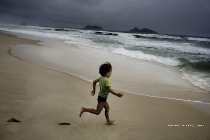 race, child, ocean, run
