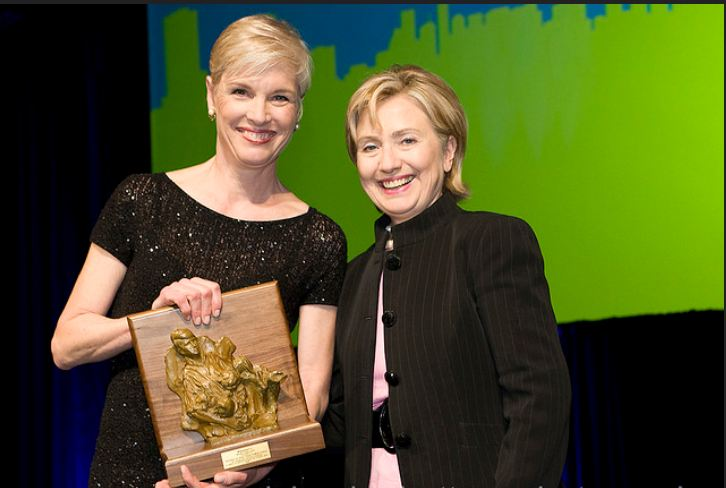 Hillary CLinton at the Planned Parenthood Gala 2009 Margaret Sanger Award 3