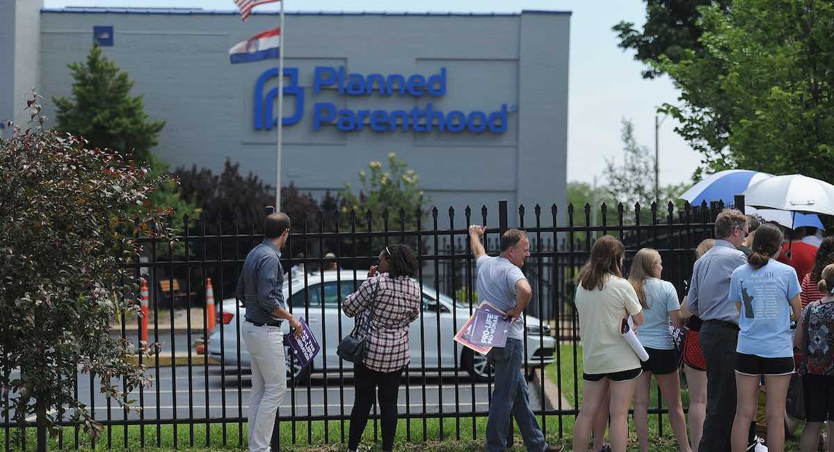 Missouri Planned Parenthood, buffer zones, sidewalk counselors