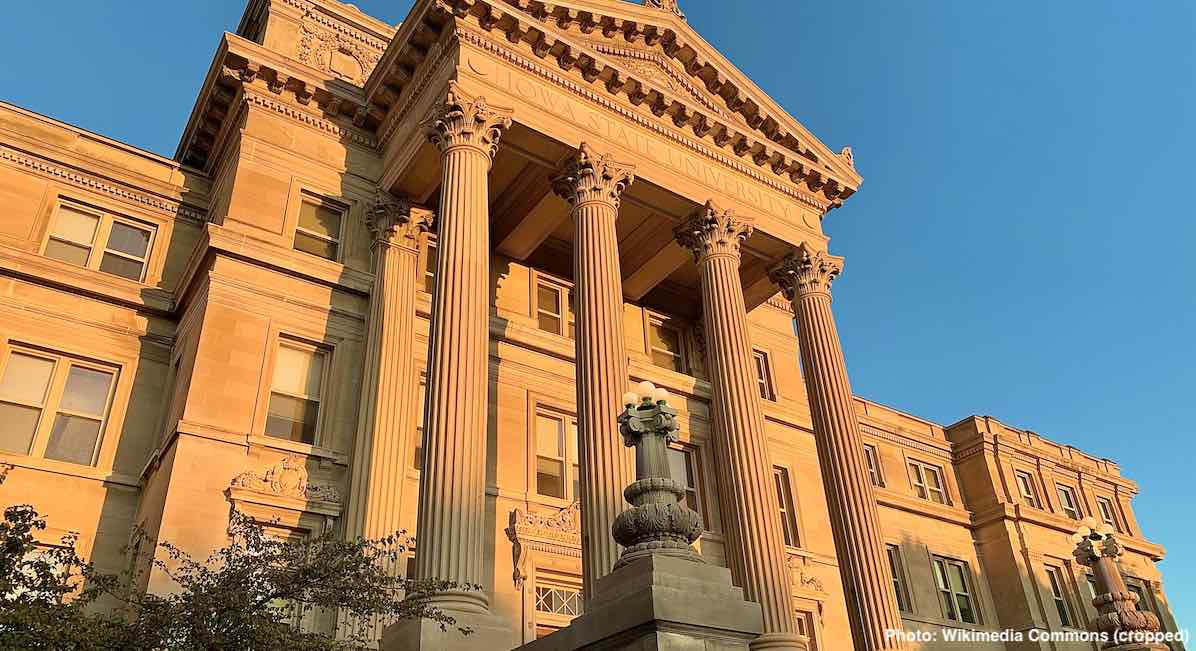 Iowa_State_University_-_Beardshear_Hall cropped