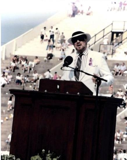 Joe Scheidler addresses pro-life rally Image credit Carole Novielli