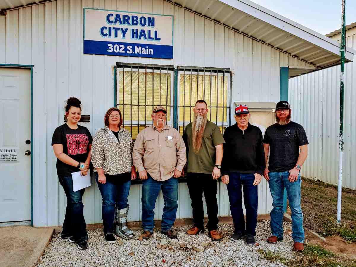 city hall mayor council Carbon TX