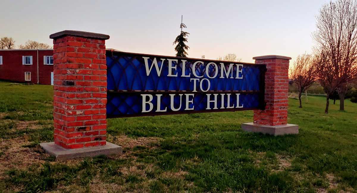 blue hill nebraska sign